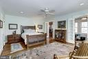 Spacious master bedroom w/entry to office - 3819 LIVINGSTON ST NW, WASHINGTON