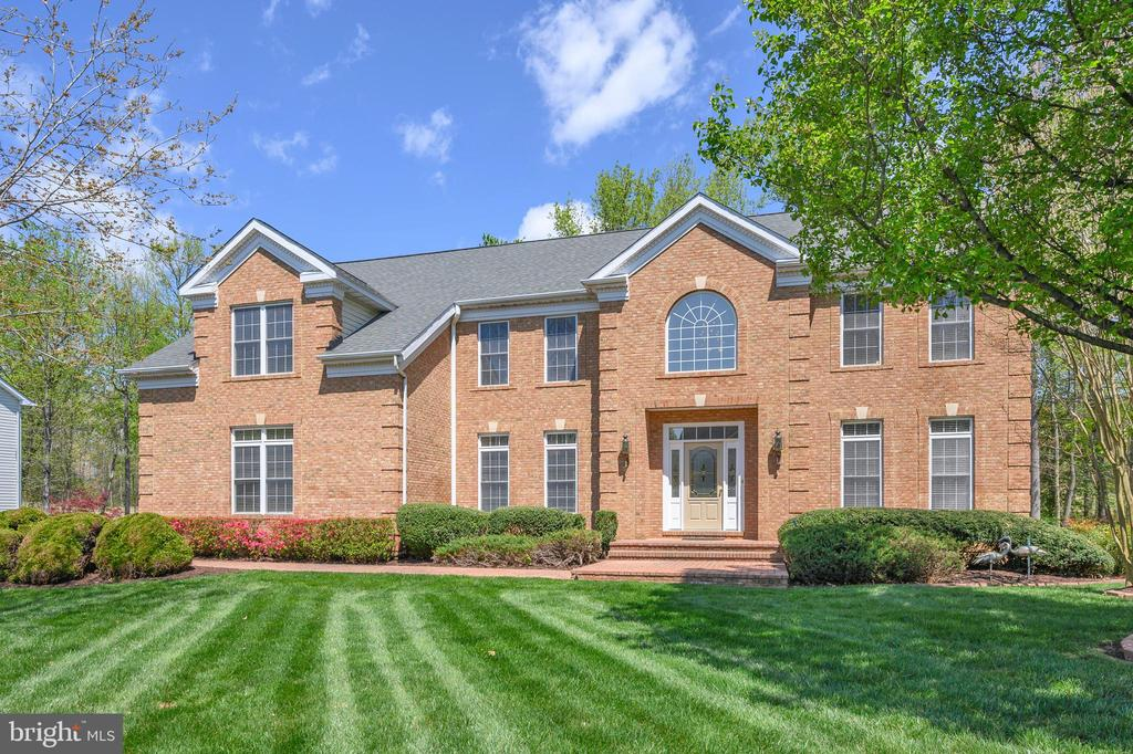 Front View - 42 LIGHTFOOT DR, STAFFORD