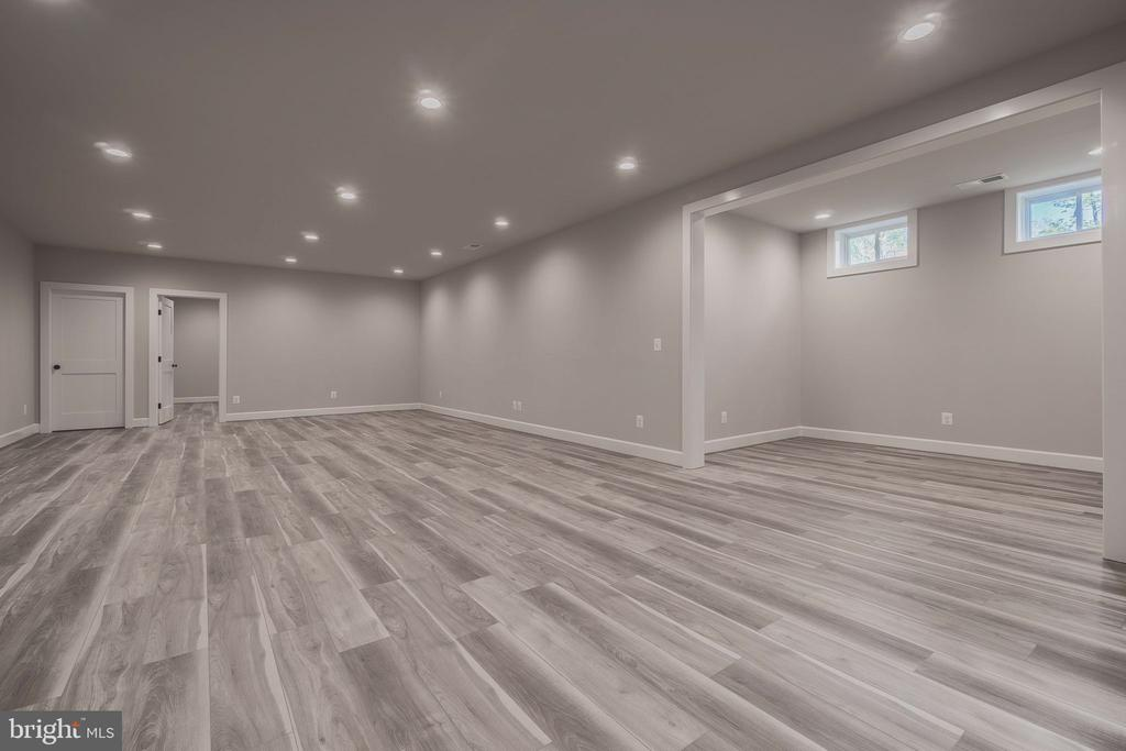 Separate game room - 8604 NORFOLK AVE, ANNANDALE
