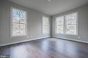 First floor bedroom/office with en suite bath - 8604 NORFOLK AVE, ANNANDALE