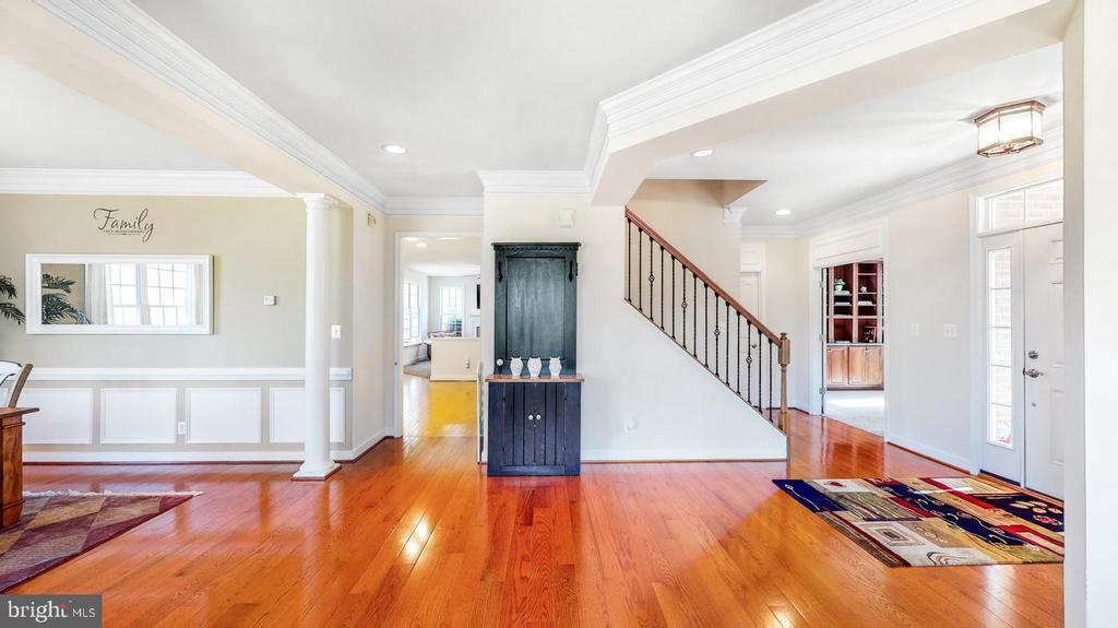 Living room with wood floors - 31 CRAWFORD LN, STAFFORD