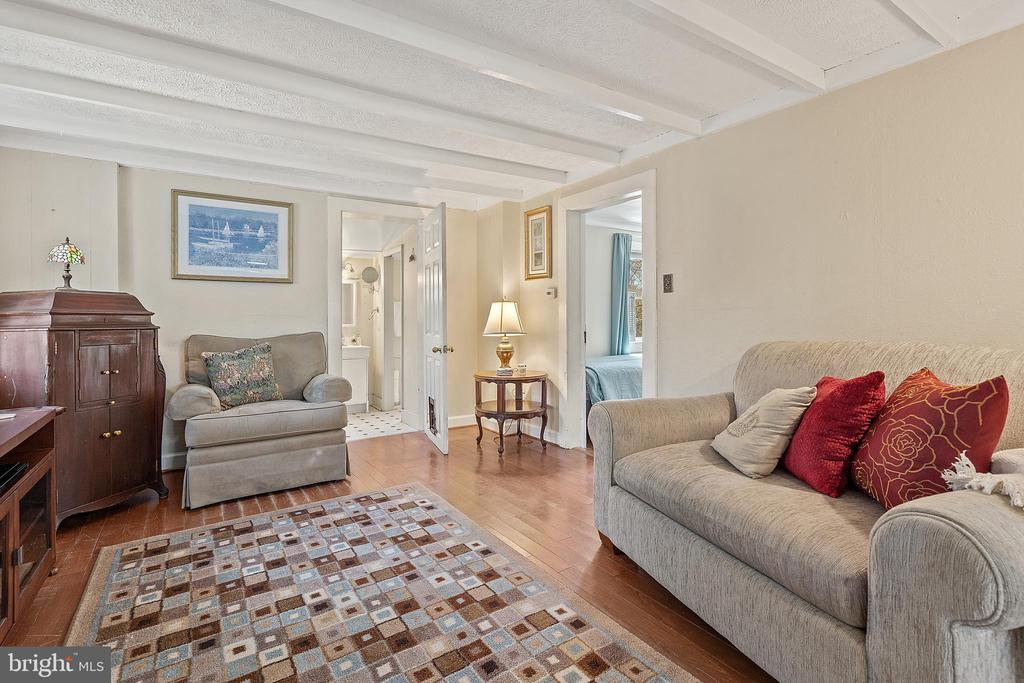 Kitchen opens to roomy family space. - 17350 DRY MILL RD, LEESBURG
