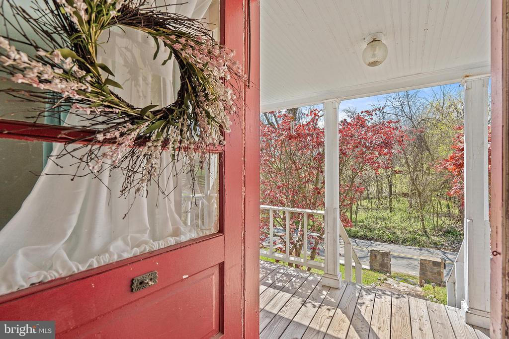 Classic Farmhouse Entry off Porch! - 17350 DRY MILL RD, LEESBURG