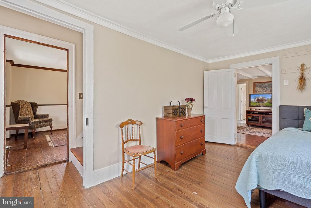 Classic farmhouse layout. - 17350 DRY MILL RD, LEESBURG