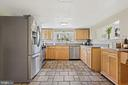 Roomy kitchen for the foodie/chef! - 17350 DRY MILL RD, LEESBURG