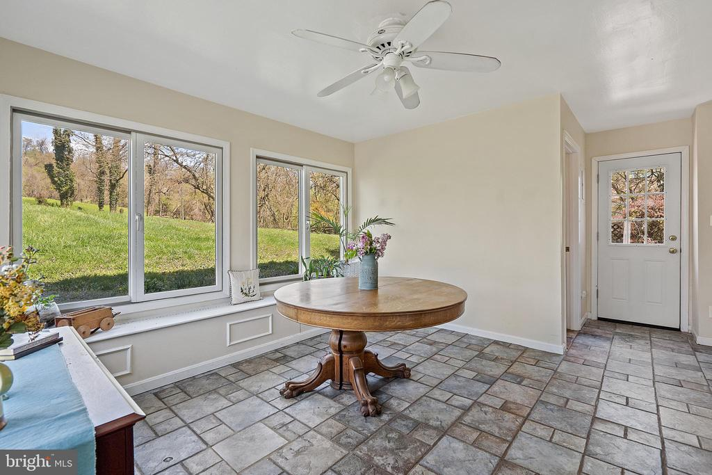 Exits to both sides of home from sun room! - 17350 DRY MILL RD, LEESBURG