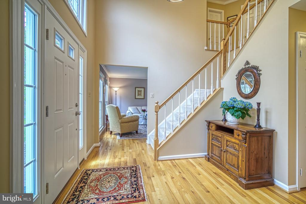 Foyer ushers you in to elegant yet cozy home - 12216 HEATHER WAY, HERNDON