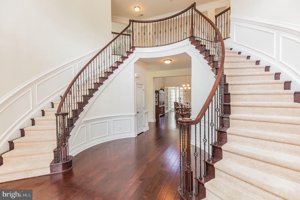 Double Curved Staircase at Grand Foyer Entrance - 11504 PEGASUS CT, UPPER MARLBORO