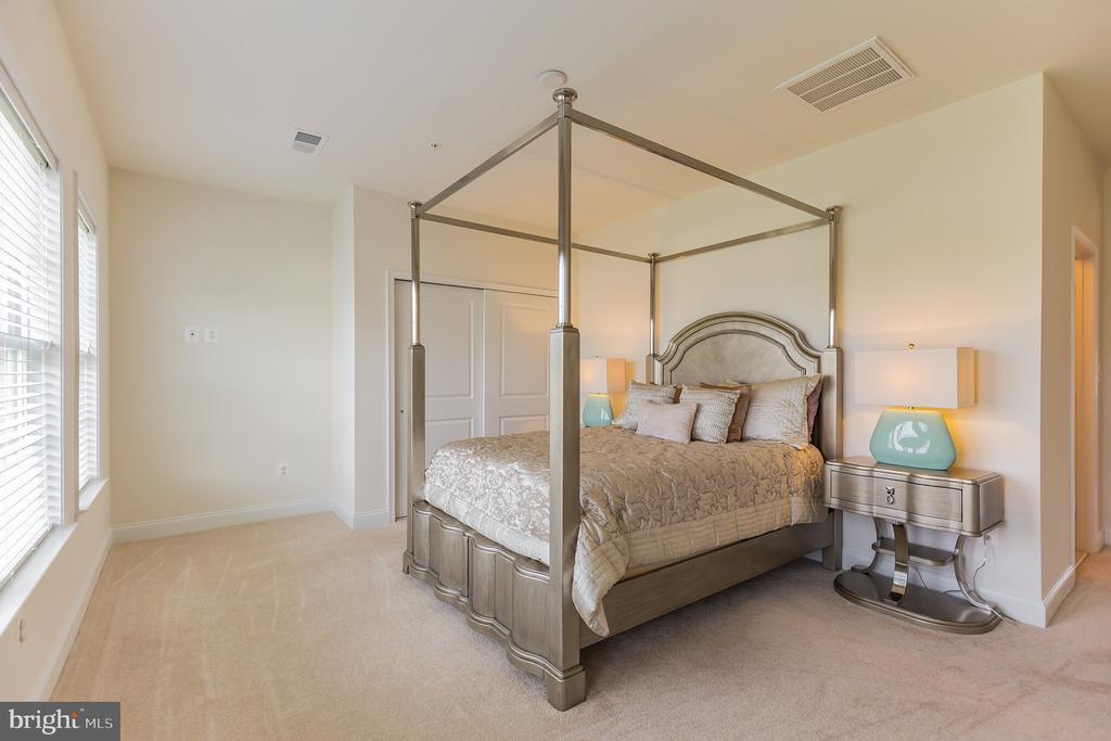 Bedroom Suite 2 - 11504 PEGASUS CT, UPPER MARLBORO
