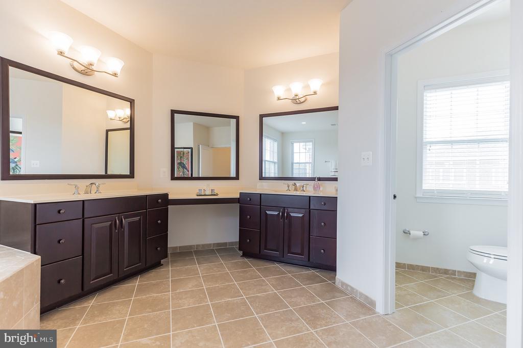 Master Bathroom His & Her Vanities - 11504 PEGASUS CT, UPPER MARLBORO