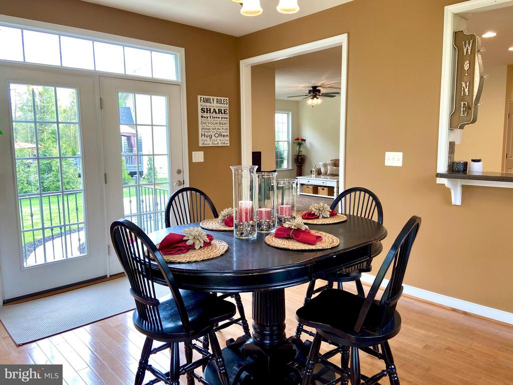 Morning room with French doors to patio - 31 CRAWFORD LN, STAFFORD