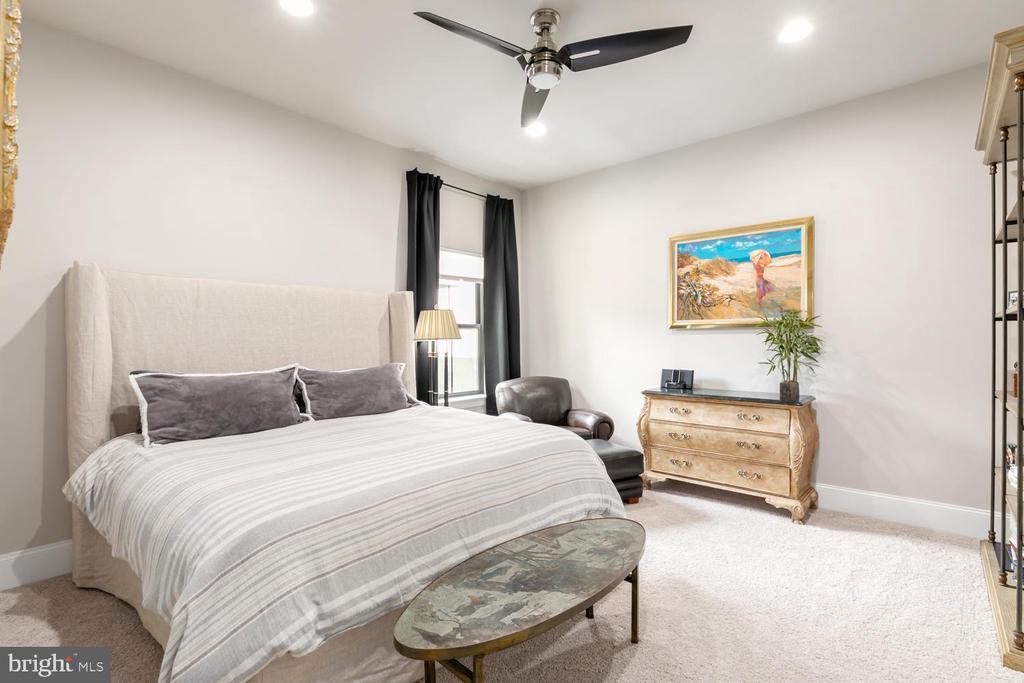 Ensuite Bedroom Suite #2 with Bath, Upper Level 2 - 44665 BRUSHTON TER, ASHBURN