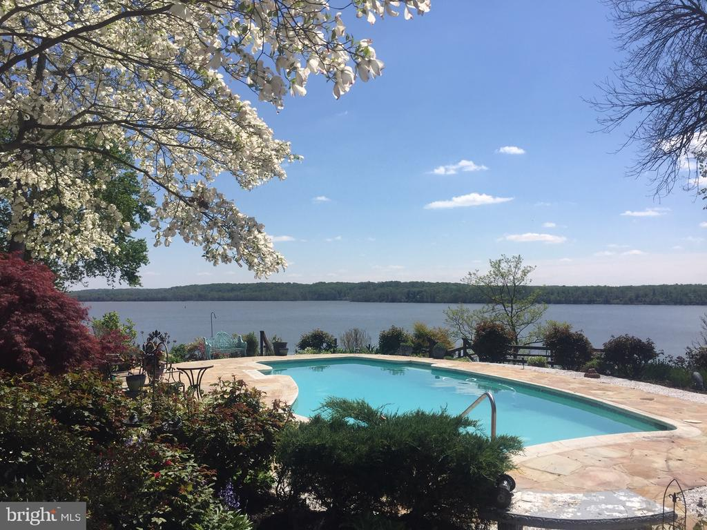 Waterfront Oasis on the Potomac River! - 3905 BELLE RIVE TER, ALEXANDRIA