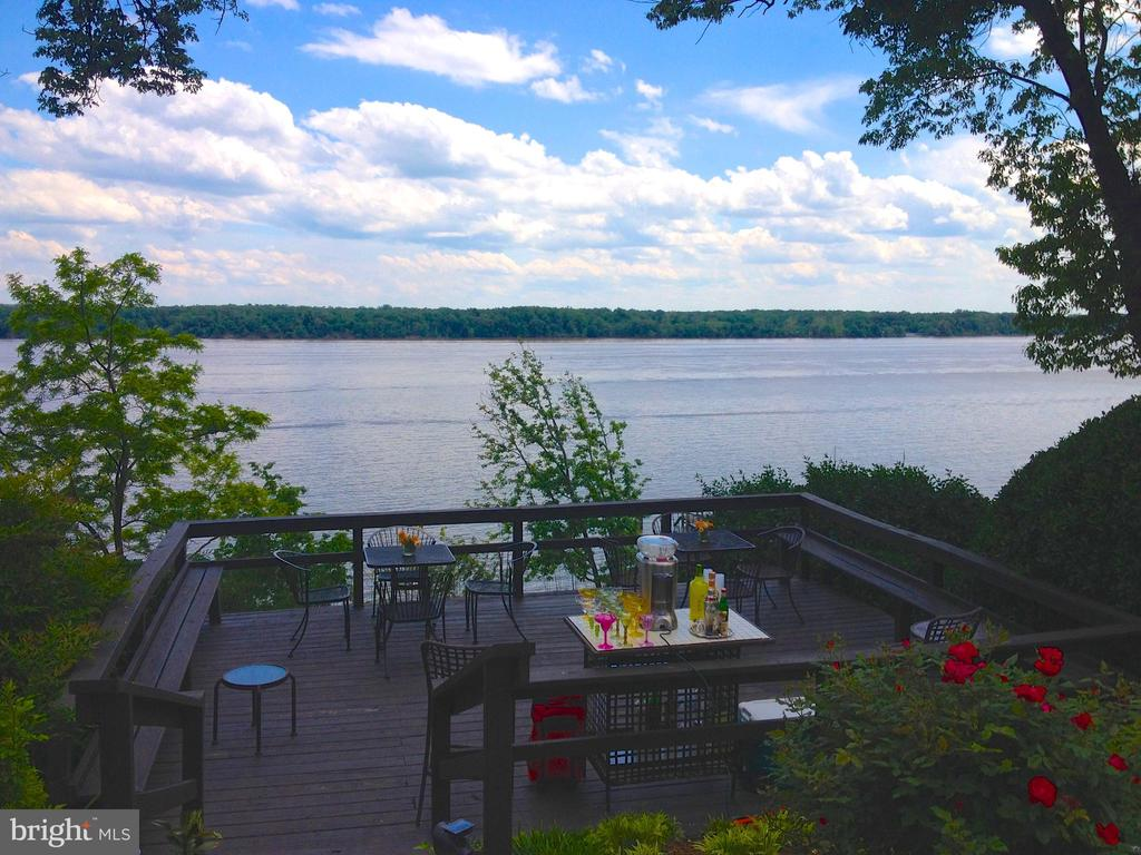 Views of Deck and Piscataway National Park! - 3905 BELLE RIVE TER, ALEXANDRIA
