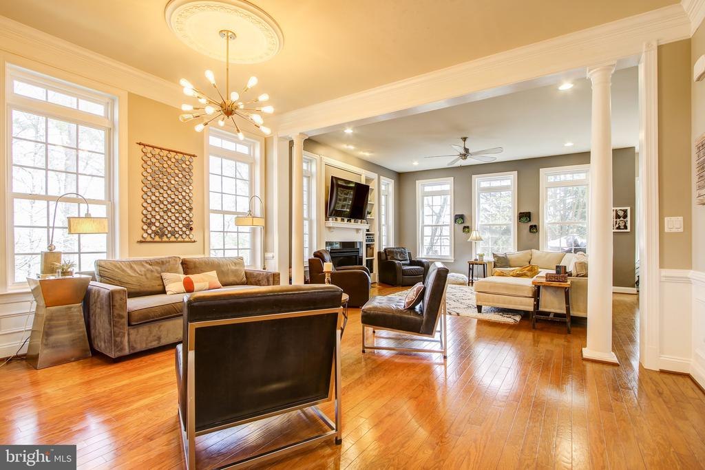 Open floor plan. - 47652 PAULSEN SQ, POTOMAC FALLS
