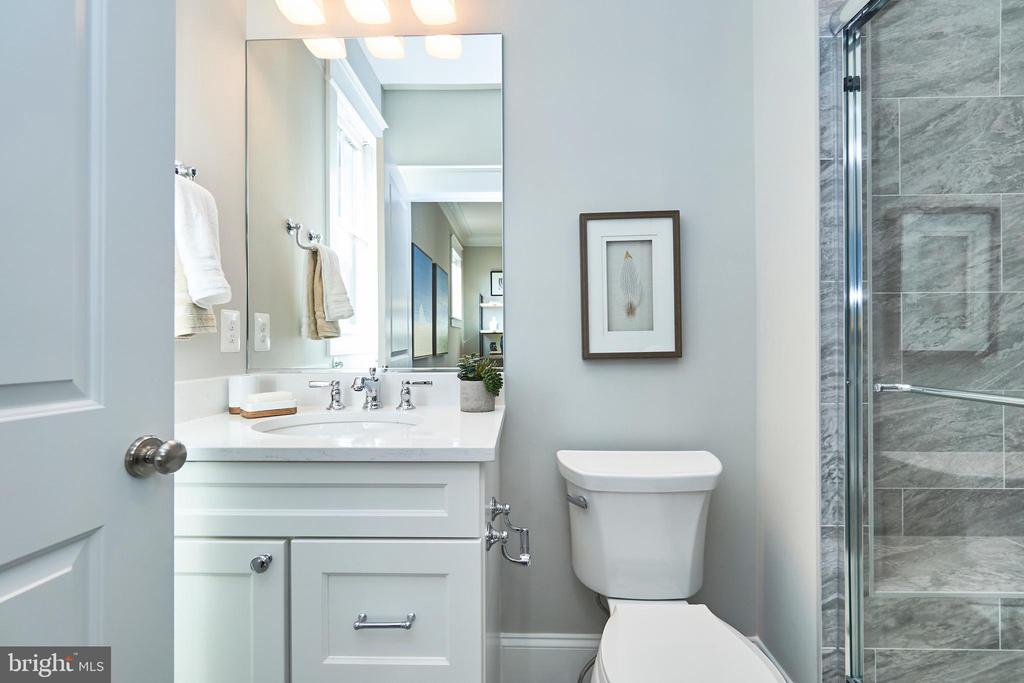 Main lvl ensuite BR-Same  model,different location - 4042 21ST ST N, ARLINGTON