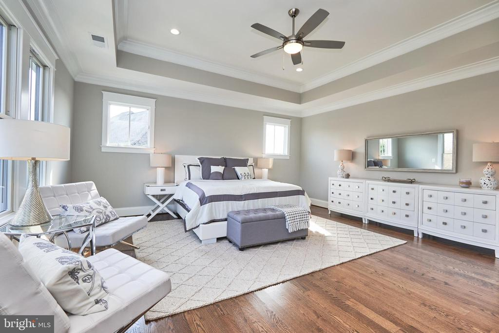 Master bedroom-Same  model, different location - 4042 21ST ST N, ARLINGTON
