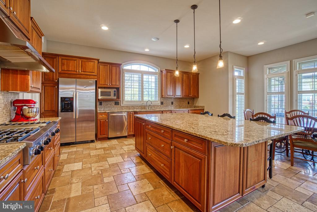 - 15970 LONDON COUNCIL LN, LEESBURG