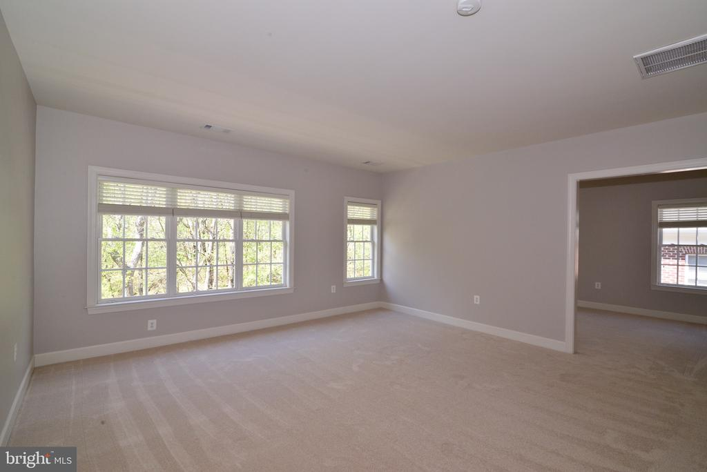 Wall of Windows in Master Suite. - 18229 CYPRESS POINT TER, LEESBURG
