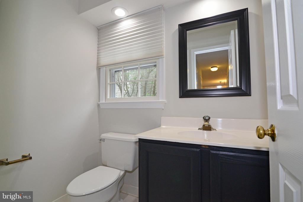 Main Level Powder Room - 11612 OLD BROOKVILLE CT, RESTON