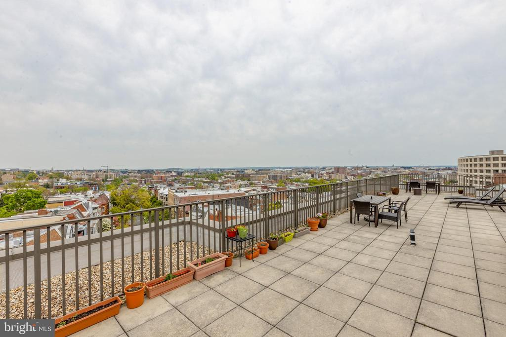 Large rooftop deck with 360 views of the city - 2100 19TH ST NW #604, WASHINGTON