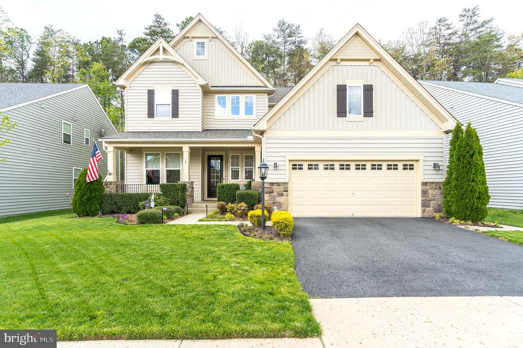 Gorgeous home in Colonial Forge! - 17 WAGONEERS LN, STAFFORD