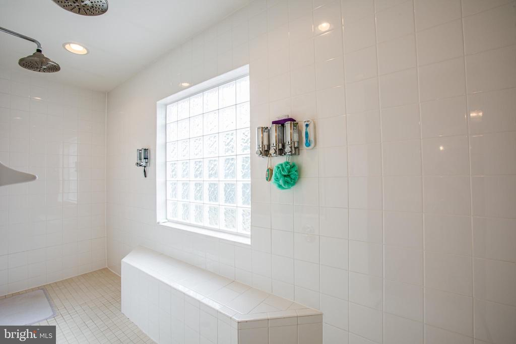 dual shower heads master bath - 12504 SINGLE OAK RD, FREDERICKSBURG