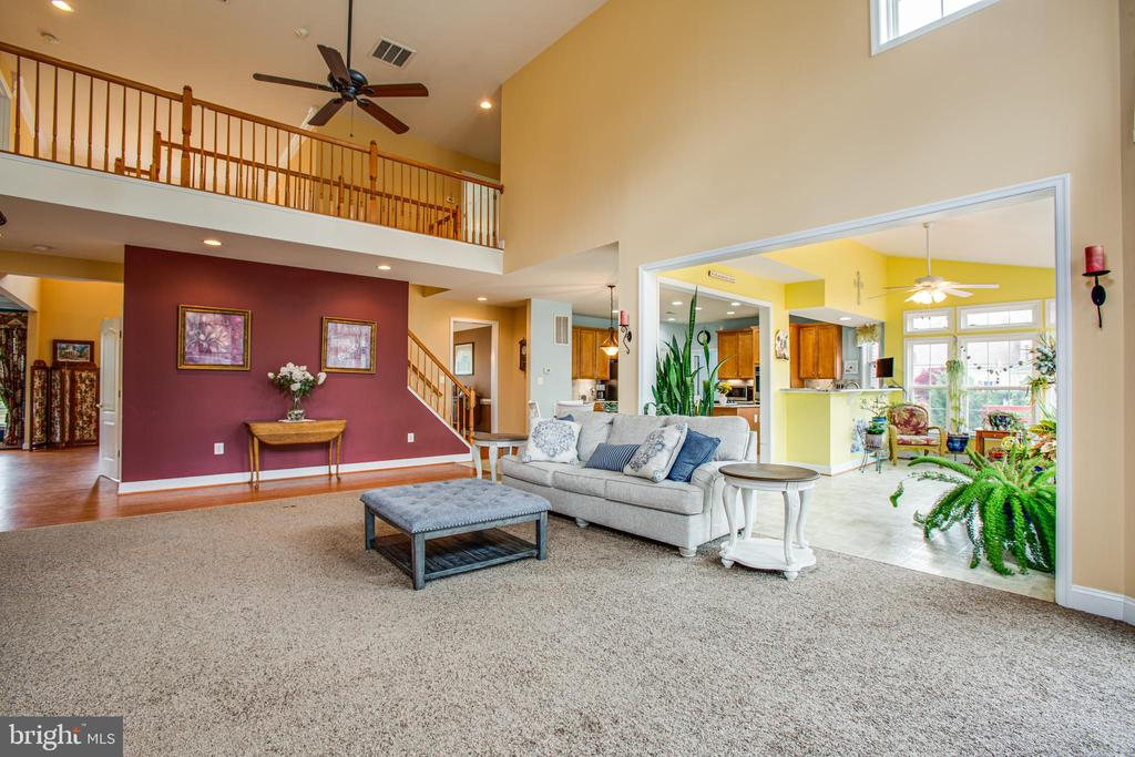 2 story family room with overlook - 12504 SINGLE OAK RD, FREDERICKSBURG