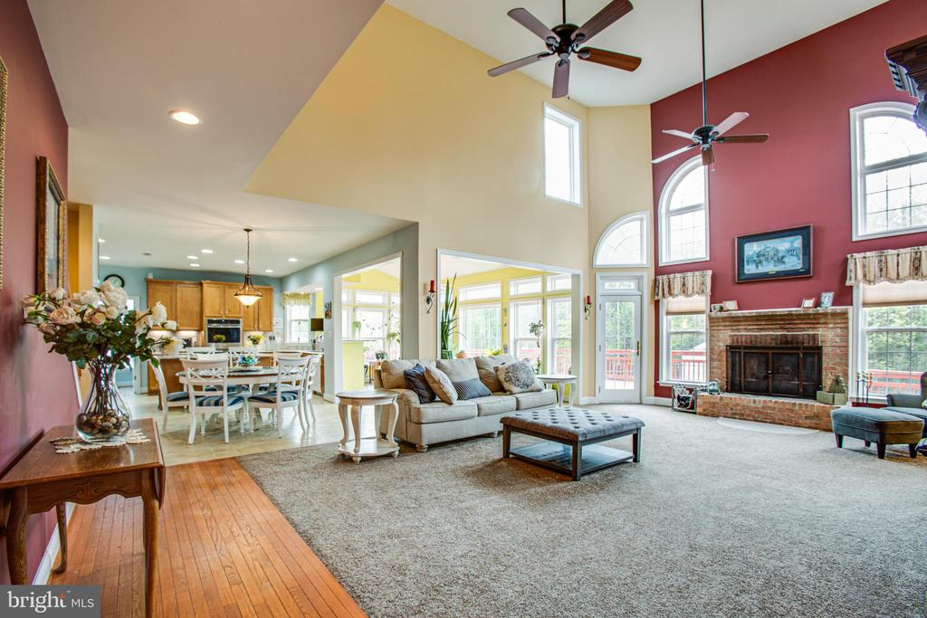 2 Story family room - 12504 SINGLE OAK RD, FREDERICKSBURG