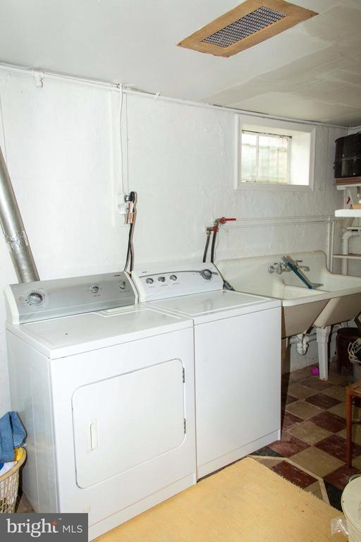 Laundry Time - 1629 PRIMROSE RD NW, WASHINGTON