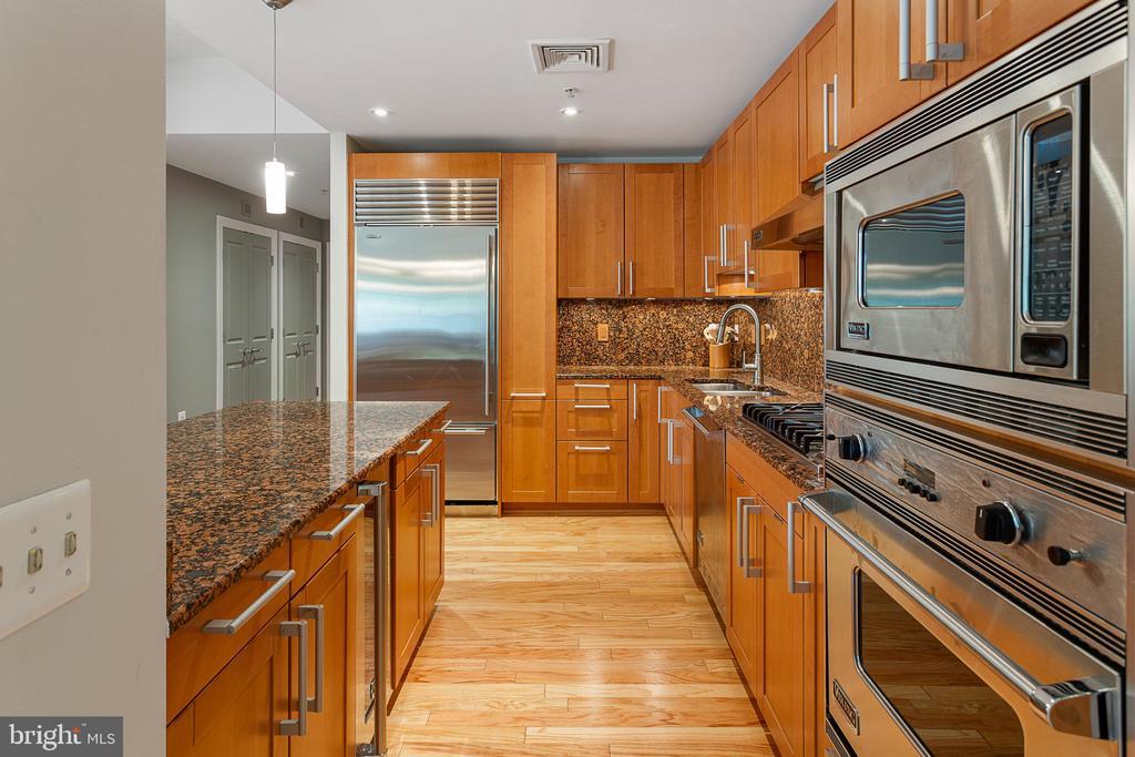 Gourmet Kitchen - 2425 L ST NW #240, WASHINGTON