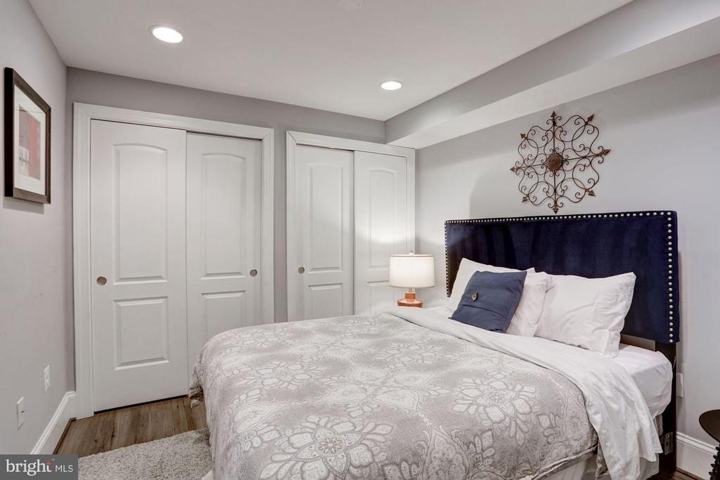 Basement Bedroom - 229 E ST NE, WASHINGTON