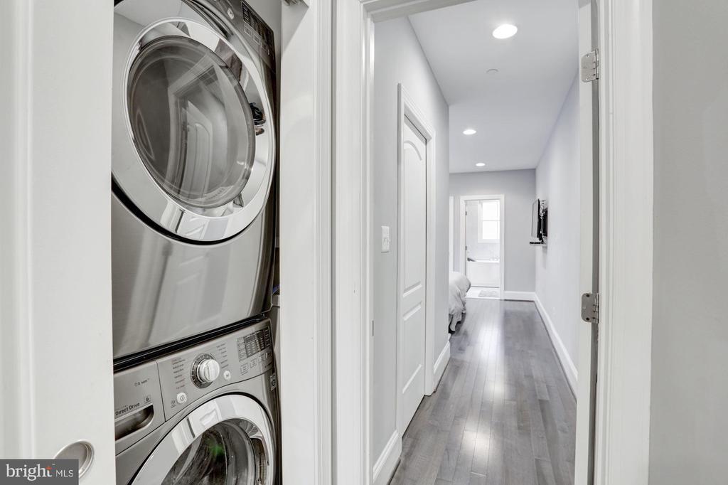 Laundry - 229 E ST NE, WASHINGTON