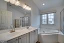 MASTER BATH - 18009 DENSWORTH MEWS, GAINESVILLE