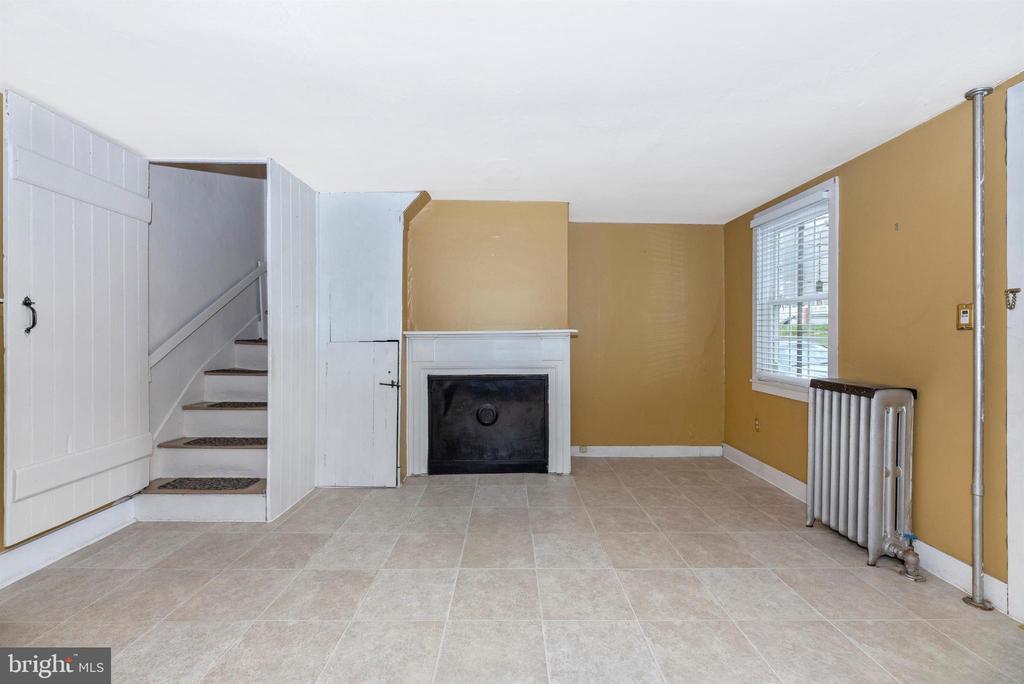 Foyer - 116 S JEFFERSON ST, FREDERICK