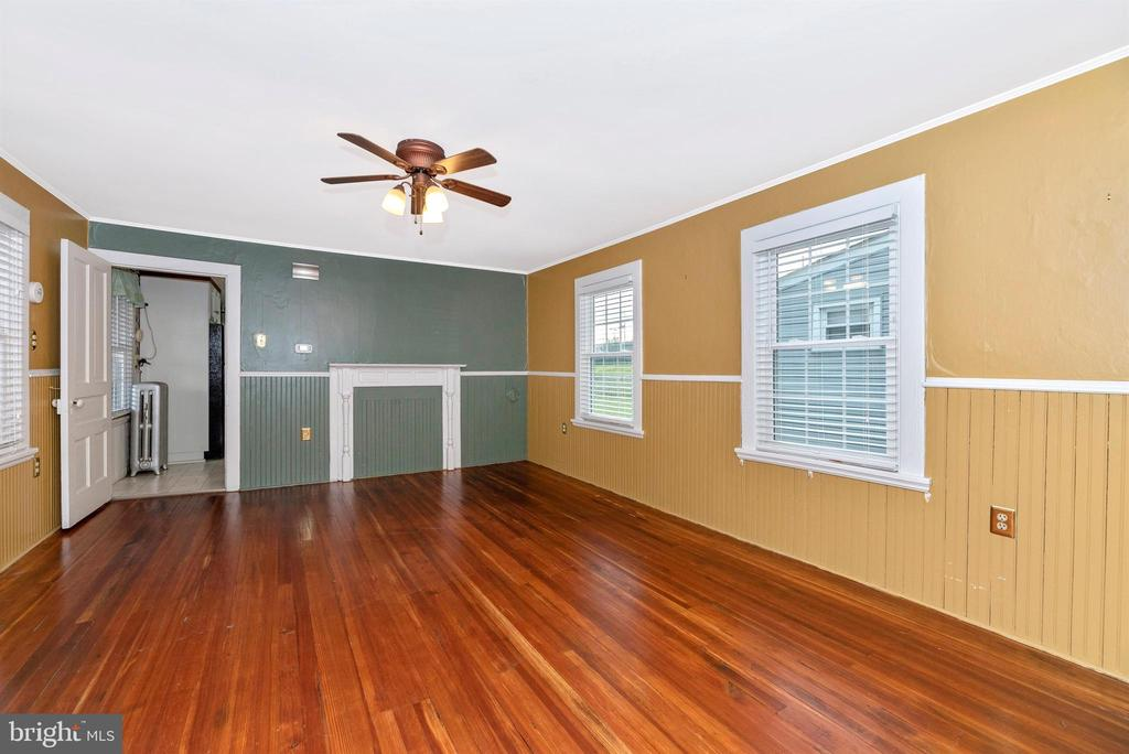 Dining Room with Ceiling Fan - 116 S JEFFERSON ST, FREDERICK
