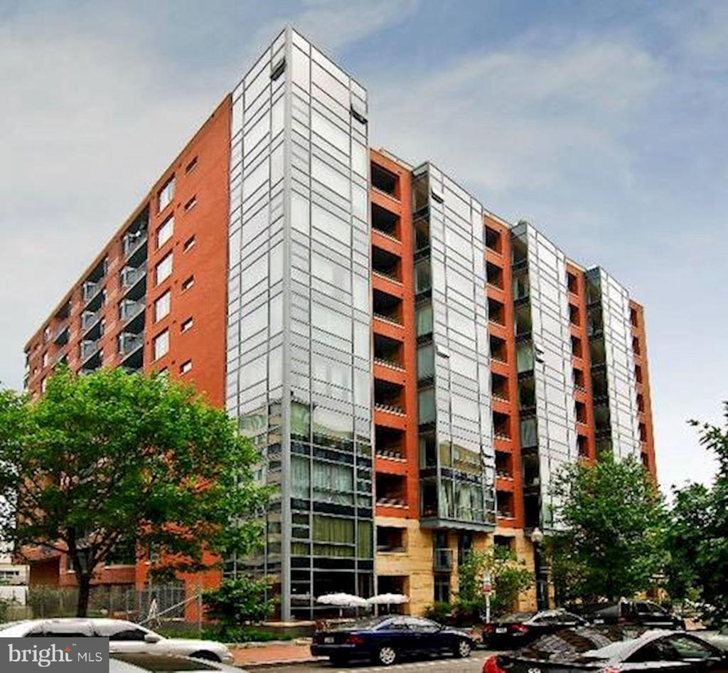 Quincy Ct - #504 on corner w/ Flr to Ceiling Glass - 1117 10TH ST NW #504, WASHINGTON