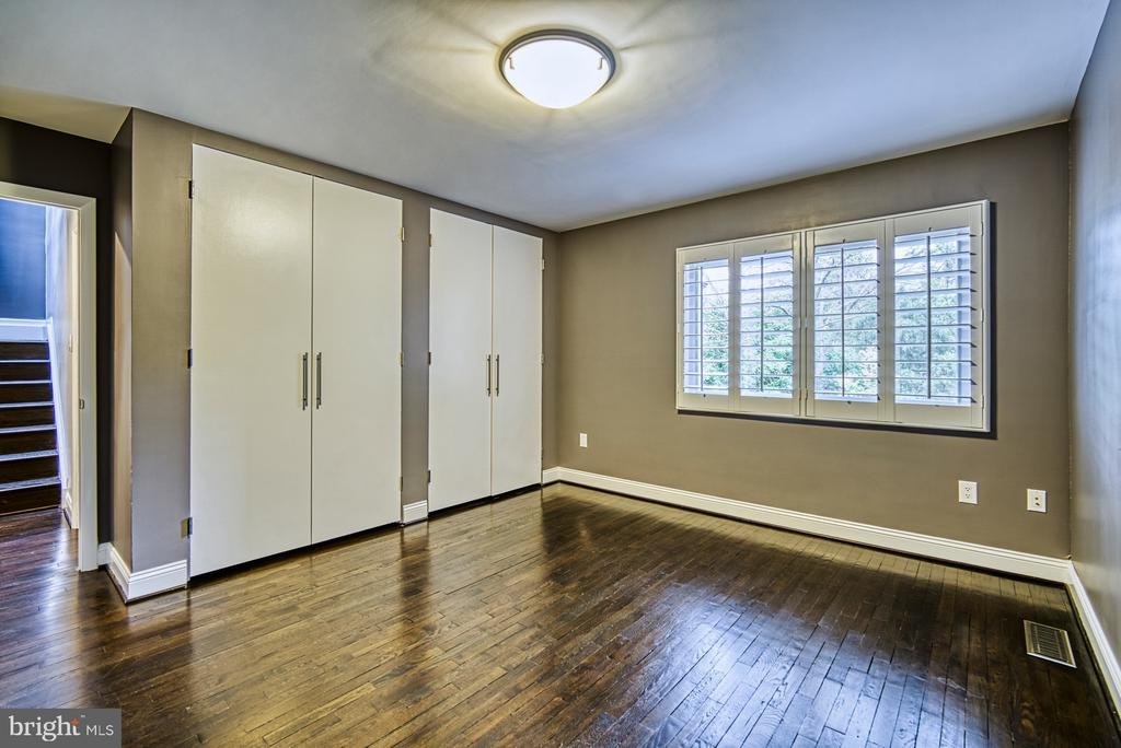Bedroom #2 has double closets & views of pond - 11338 LINKS DR, RESTON