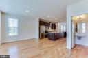 a dining room large enough to have a sitting nook. - 3160 VIRGINIA BLUEBELL CT, FAIRFAX