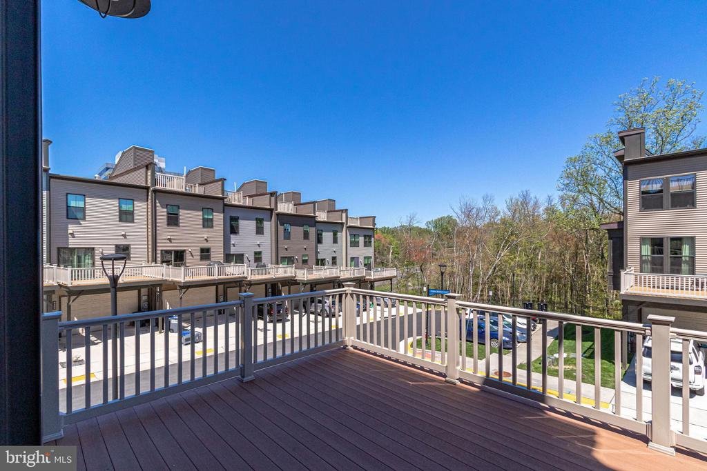 ... 216 square feet of outdoor living space. - 3160 VIRGINIA BLUEBELL CT, FAIRFAX