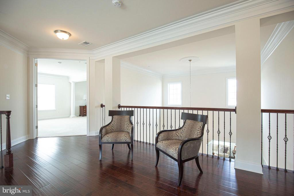 Hallway Overlooks 2 Story Foyer & Dining  Room - 11504 PEGASUS CT, UPPER MARLBORO