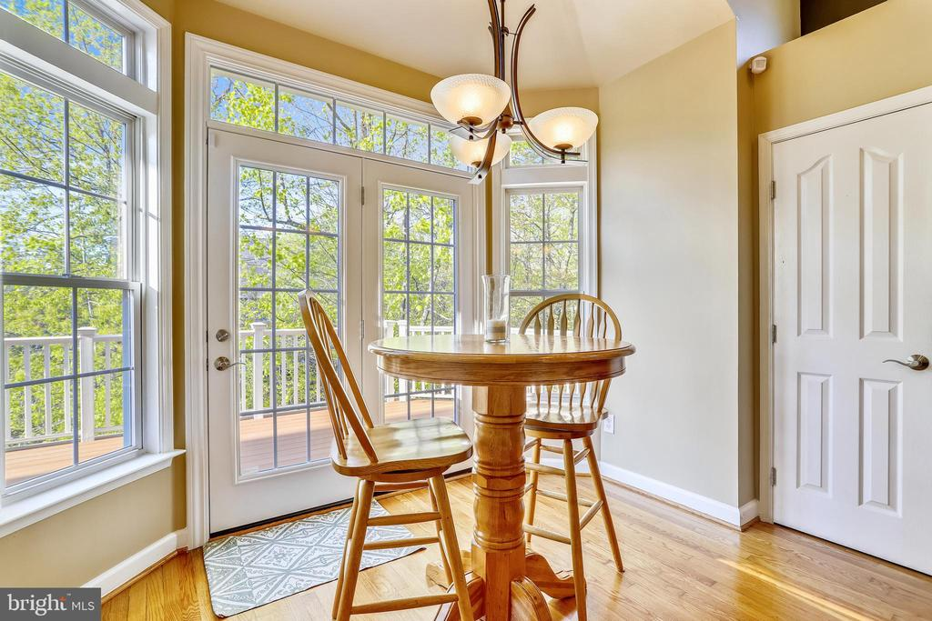 Sunny Breakfast Nook with access to Rear Deck - 1911 LOGAN MANOR DR, RESTON