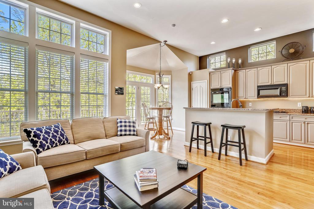 Who knew that a Townhome could be this Luxurious! - 1911 LOGAN MANOR DR, RESTON
