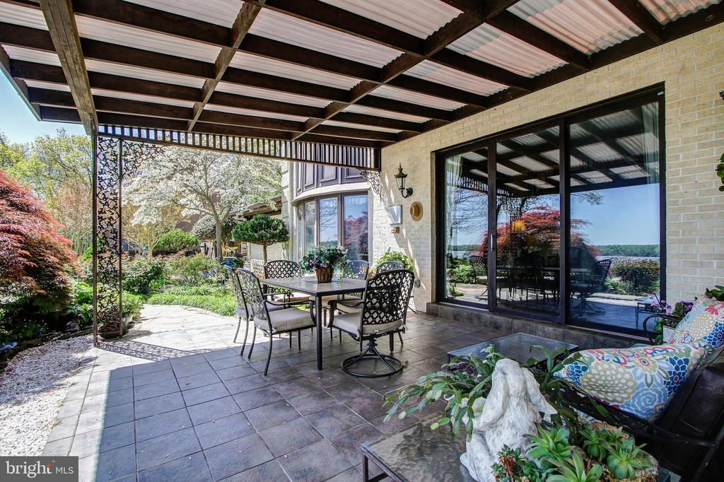 Access From Main Level Family Room to Cabana - 3905 BELLE RIVE TER, ALEXANDRIA