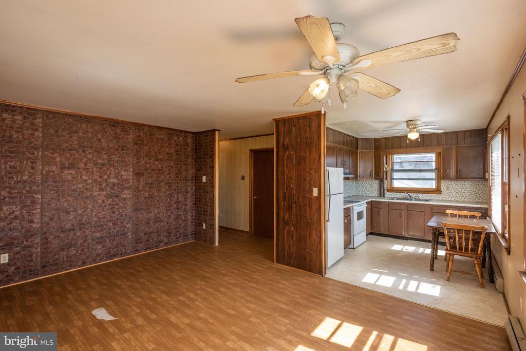 In law Living room/ kitchen - 12011-A KEYMAR RD, KEYMAR