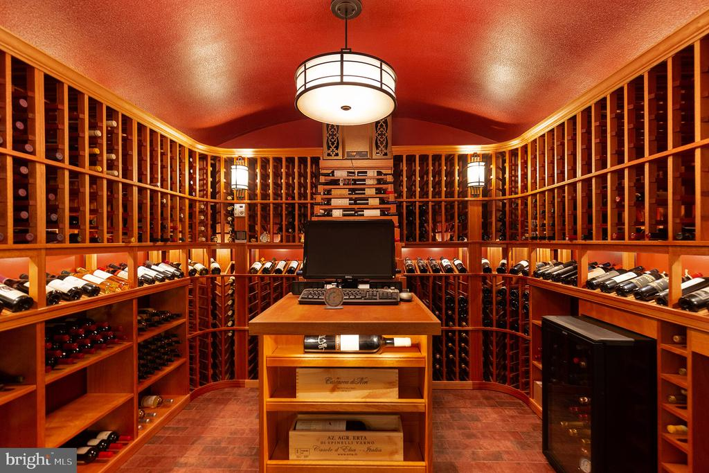 A wine cellar with room for 1500 bottles - 15270 HATTON LANDING DR, NEWBURG