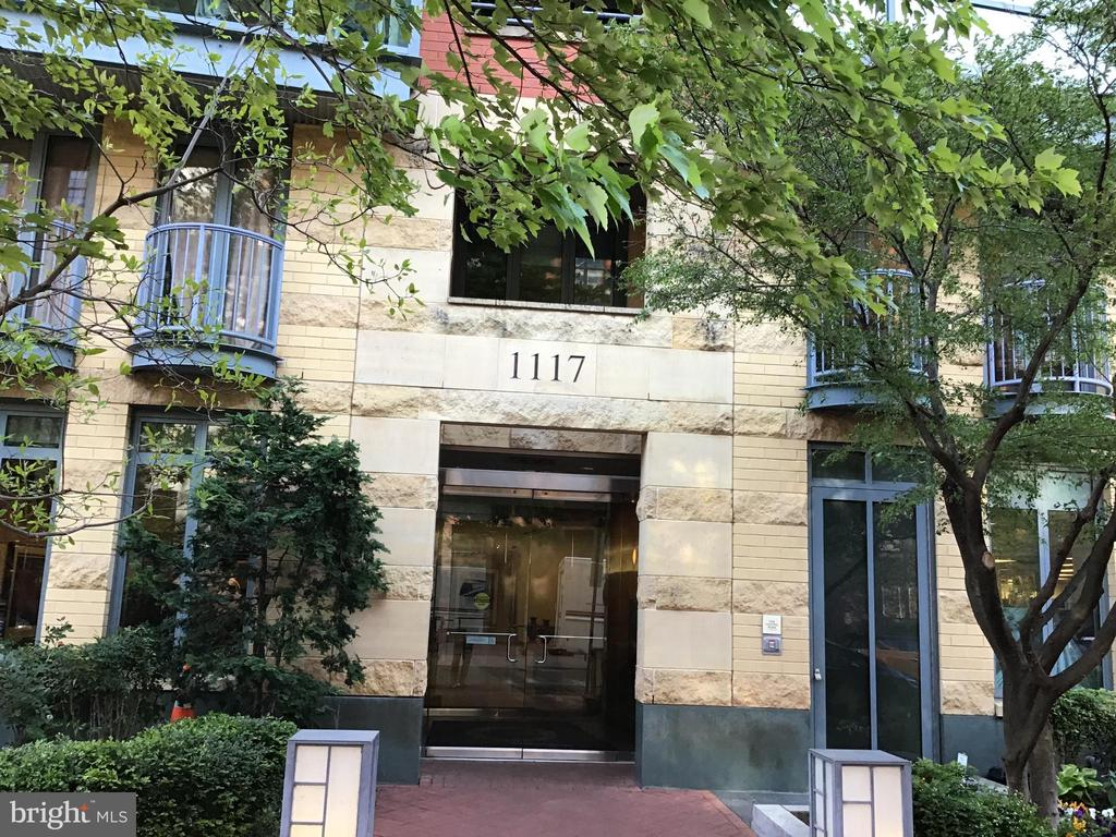 Front of Quincy Court - 1117 10TH ST NW #504, WASHINGTON