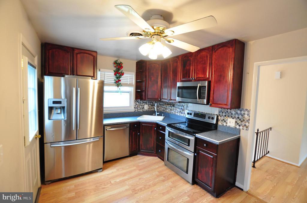 Kitchen! - 4311 WENDY CT, MONROVIA