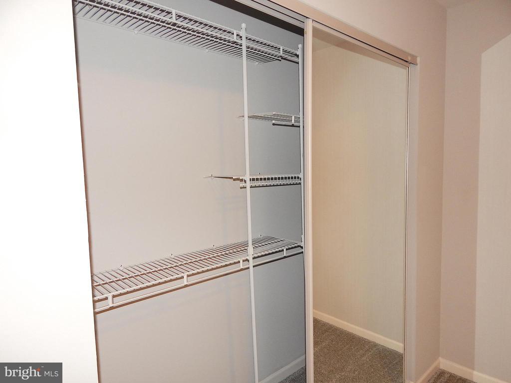 Master bedroom closet w/built in organizer. - 4 NORMAN CT, FREDERICKSBURG