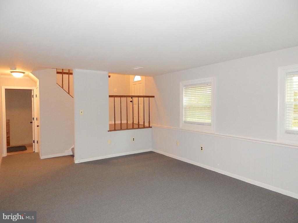 View in family room, towards open foyer - 4 NORMAN CT, FREDERICKSBURG